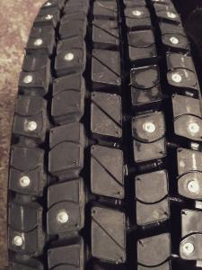 Грузовые шипованные шины 215 75 R17,5 Satoya SD-060TL с шипами